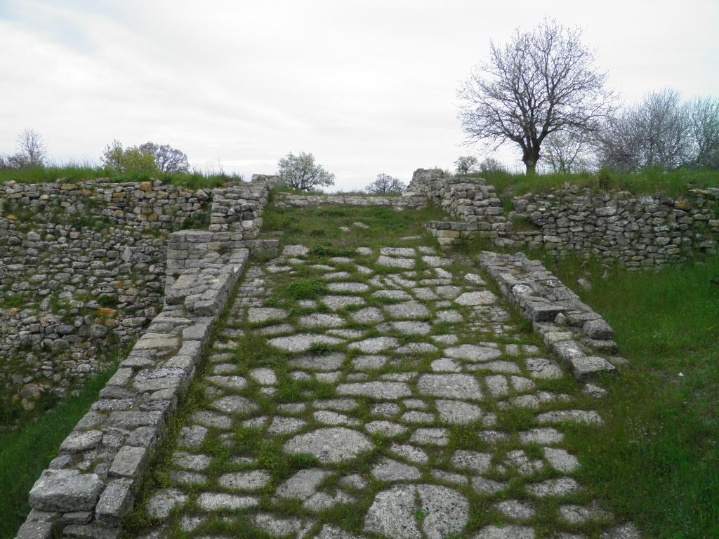 Rampa de entrada a Troya II.